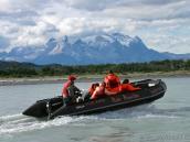 На зодиаке по реке Серрано, тур в Патагонию