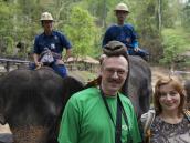 Готовимся к треккингу по джунглям верхом на слонах. Фото из тура в Бирму (Мьянму) и Таиланд автор Иван Прилежаев (с)