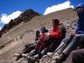 Фото из тура в Аргентину в 2006 году. Передышка перед выходом на вершину пика Валлеситос