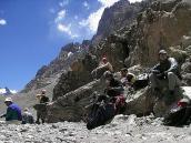 Фото из тура в Аргентину в 2006 году. Треккинг на подходе к Аконкагуа. Короткая передышка.