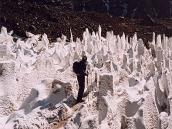 Фото из тура в Аргентину в 2006 году. Тропа на Аконкагуа проходит через кальгаспоры