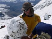 Фото из тура в Аргентину в 2012 году. Лепка лица на большой высоте - искусство, 1 лагерь, Аконкагуа