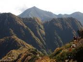 Фото из тура в Японию в 2012 году. Наша тропа практически все время идет по гребню, открывая великолепные виды. В этом смысле маршрут чем-то похож на корсиканский GR20.