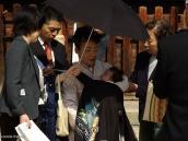 Фото из тура в Японию в 2012 году. В синтоистских храмах проходит по выходным что-то в роде крещения. Нам сказали, что все, что связано с рождением и жизнью - происходит в синтоистских храмах, а все, что связано со смертью - в дзенских, буддистских храмах.