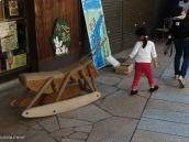 """Фото из тура в Японию в 2012 году. Кузнечик, типа нашей детской """"лошадки"""", очень мило!"""