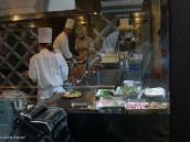 Фото из тура в Японию в 2012 году. Кухня одного из ресторанов Матцумото полностью застеклена, чтобы клиент всегда мог видеть даже с улицы, что ему готовят. Кстати, это был французский ресторан. Задумывались ли Вы когда-нибудь, что посещение в стране ресторанов, относящихся к другой культуре, может открыть удивительные грани понимания этой страны. Или, иными словами, японцев интересно рассматривать через из взгляд на европейскую кухню. Но это достойно отдельного поста.