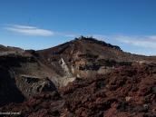 Фото из тура в Японию в 2012 году. А вот так выглядит сама вершина и вершинный кратер Фудзи.
