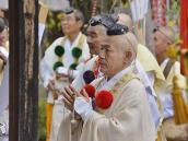 Ринпоче Шигендо на службе в монастыре