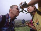 Фото из тура в Танзанию в 2004 году. А можно я вас щелкну  из фоторужья?