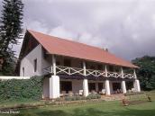 Фото из тура в Танзанию в 2004 году. Кров нам предоставил частный ресорт Нгаресеро на склоне горы Меру