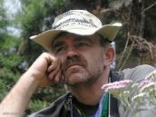 Фото из тура в Танзанию в 2005. Дело в шляпе.