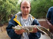 Фото из тура в Танзанию в 2005 году. Пока крокодил маленький, его можно взять на руки.