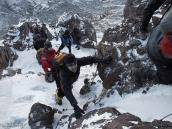 Фото из тура в Танзанию в 2009 году. Иногда приходится карабкаться по некрутым скалам и снегу.