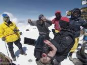 Фото из тура в Танзанию в 2011 году. Победный танец на вершине Килиманджаро.