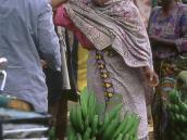 Фото из тура в Танзанию в 2004 году. Придорожный базар