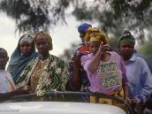 """Фото из тура в Танзанию в 2004 году. """"Смотри, нас снимают!"""""""