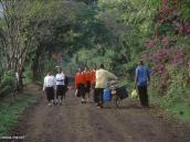 Фото из тура в Танзанию в 2004 году. Вечер в деревне возле Аруши.