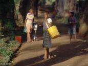 Фото из тура в Танзанию в 2004 году. По воду