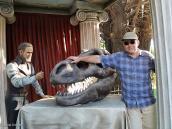 Фото из тура в Патагонию в 2012 году. Городская скульптура динозавра в Эль Калафате, Патагония.