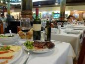 Фото из тура в Патагонию в 2012 году. Первый традиционный аргентинский ужин - стейк и Мальбек.