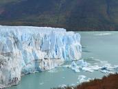Фото из тура в Патагонию в 2012 году. Уникальное озеро Перито Морено с откалывающимися айсбергами.