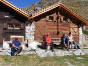 Фото из тура в Швейцарию в 2004 году. На ферме у перевала Коль де Лона.
