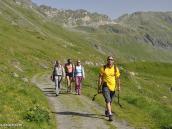 Фото из тура в Швейцарию в 2010 году. Неспешная прогулка вдоль озера Лак-де-Дис, Швейцария.