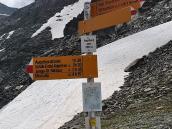 Фото из тура в Швейцарию в 2010 году. Такими указателями отмечена вся тропа, Швейцария.