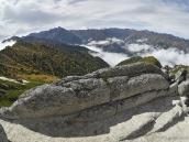 Скалы на хребте Гинза, Япония