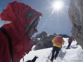 Подъем из кратера на вершину Килиманджаро, прямо к солнцу.