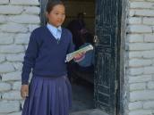 Непальская школьница