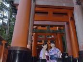 Путешествие по Японии, синто, тори, Киото, святилище Фусими Инари