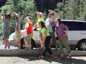 Пытаемся разглядеть скалолазов на Эль Капитан в Йосемитском Национальном парке. Автор фото Ксения Каминская