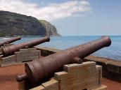 Реюньон: старинные пушки в Сен-Дени
