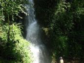 У водопада на треккинге в Сиккиме, Канченжанга