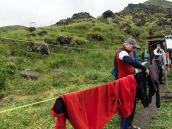 Попали под дождь. Сушим вещи. Фото из тура Восхождение на Эльбрус с Севера. Автор Алексей Чуркин (с)