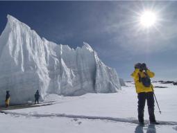 Восхождение на Килиманджаро, ледник в кратере