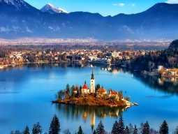вид на озеро Блед, треккинг в Словении