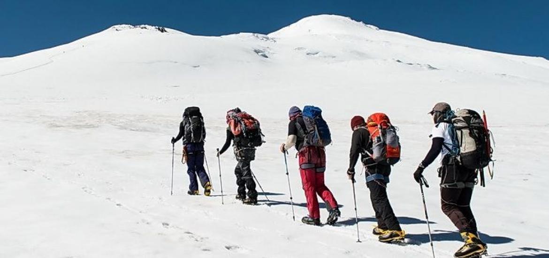 подъем к скалам Ленца на Эльбрус с севера