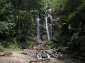 Водопад на треке в Северном Таиланде, провинция Чиангмай. Фото из тура в Бирму (Мьянму) и Таиланд автор Иван Прилежаев (с)