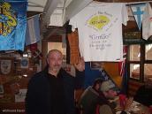"""Фото из тура в Аргентину в 2006 году. После спуска с Аконкагуа Сергей Гонтарь надписал свою фирменную футболку: """"Встретимся на Мак-Кинли!"""""""