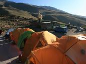 """Фото из тура в Иран в 2011 году. Грунтовая дорога заканчивается у мечети """"Гусфанд-Сара"""", что можно перевести как Приют Гусфанд, высота 2700 м"""