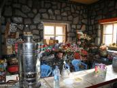 Фото из тура в Иран в 2011 году. Вот такой шалман в новой хижине, построенной три года назад на 4100 м.