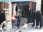 """Фото из тура в Иран в 2011 году. """"Последние новинки иранской моды для женщин сохраняют свой консерватизм"""" - могло бы быть написано в каком-нибудь модном иранском журнале."""