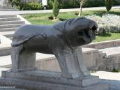 Фото из тура в Иран в 2011 году. А это лев ... Да-да, именно лев, а не то, что вы подумали!.. У моста в Исфахане.