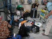 Фото из тура в Иран в 2011 году. Перепаковка вещей, палаток и недопитого и тщательно запрятанного алкоголя перед вылетом домой. Ночь в аэропорту Айатолла Хомени, Иран.