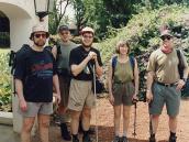 Фото из тура в Танзанию в 2003 году. Группа путешественников во главе с турлидером на старте (ресорт Нгаресеро).