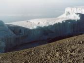 Фото из тура в Танзанию в 2003 году. Ледяная корона Килиманджаро.