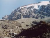 Фото из тура в Танзанию в 2003 году. Грозные склоны седого вулкана.