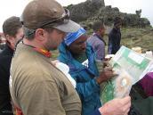 """Фото из тура в Танзанию в 2008 году. """"... Так-так, кажется, нам вроде бы сюда..."""""""